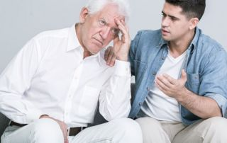 como convencer idoso a aceitar cuidador